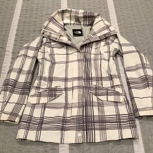 THE NORTH FACE white and grey women's rain jacket